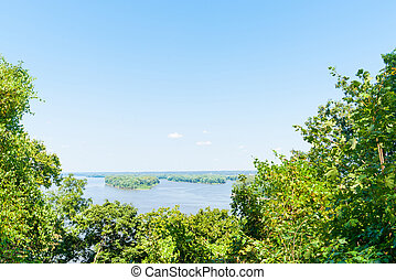 Mississippi River Hannibal Missouri USA - Scenic green bushy...