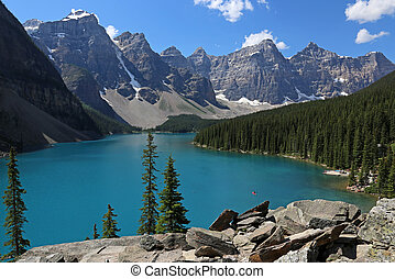 Lake Moraine Perfection - Spectacular Lake Moraine, located...