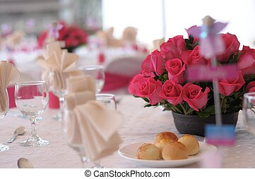 table with roses - beauty pink roses