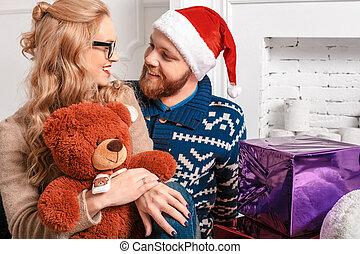 hermoso, santa, alegre, pareja, regalos, Plano de fondo,...