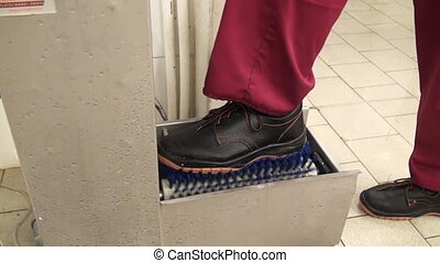 Shoe Shine cleaning machine. Cleaning of premises and...