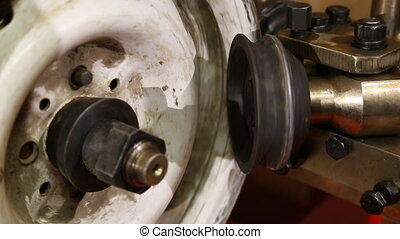 alignment automotive disc on a special machine