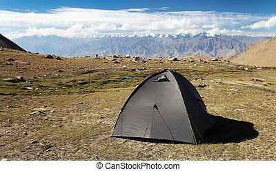 Tent in Himalayan mountains, Stok range, Great Himalayan...