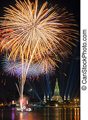 Wat arun under new year countdow selebration time, Thailand