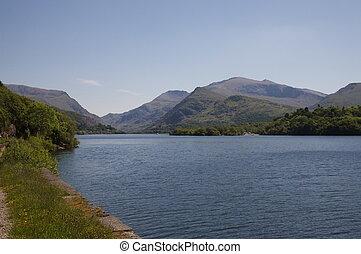 Padarn, Jezioro