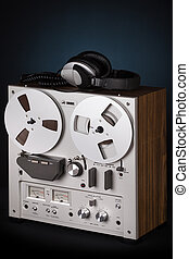 Analog Stereo Reel Tape Deck Recorder Player with headphones