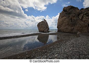 roca, de, Afrodita, en, Cyprus., vista, de, el, mar,