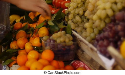 Fresh fruits market