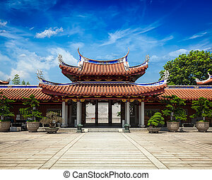 Gates of Lian Shan Shuang Lin Monastery, Singapore