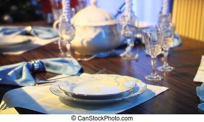 Dininng room - Holiday table setting in a home
