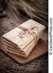 Dry crisp breads.