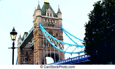 London, Tower bridge, lamp post