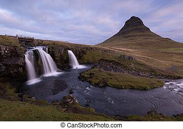 Kirkjufellsfoss and Kirkjufell.