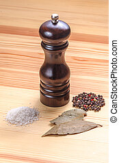 pepper-pot salt bay table wood