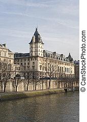 Building on Cite island in Paris