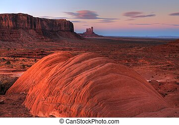 Sunrise Monument Valley - Sunrise at Monument Valley on...