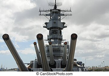 Battleship Missouri - 16 inch guns of the battleship U.S.S....