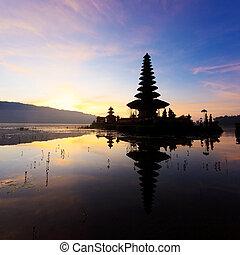 Ulu Danu temple - Pura Ulun Danu temple silhouette before...