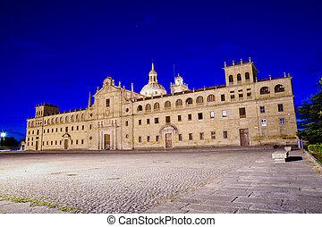 Colegio de Nuestra Se?ora de la Antiga, Monforte de Lemos,...