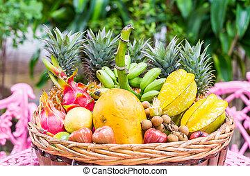 Un, grande, variedad, de, exótico, frutas, en, Un, cesta,