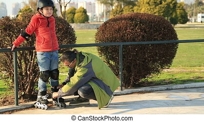 Young skater boy ready to ride - Portrait of a young boy on...