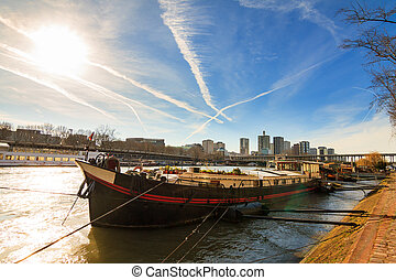 Seine houseboat - Beautiful houseboat in the Seine river...