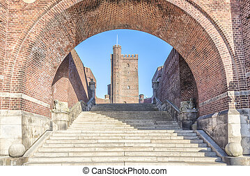 Karnan Through the Archway - The ancient medieval...