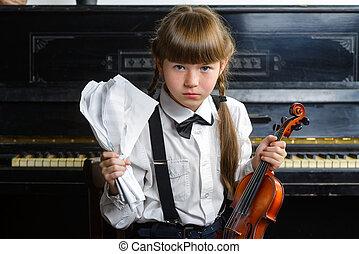 cabeza, ella, afligido, agarrando, tenencia, loco,  violín, niña, o