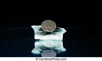 cinco, centavos, en, el, hielo,