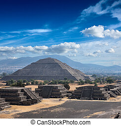 Teotihuacan Pyramids - Pyramid of the Sun Teotihuacan Mexico...