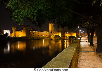 Nightview of Castelvecchio of Verona - View over the...