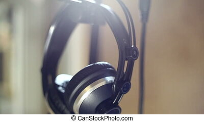 Studio headphones microphone - Professional headphones and a...
