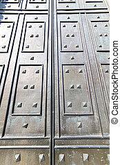 in mercallo rusty brass brown knocker door curch closed...