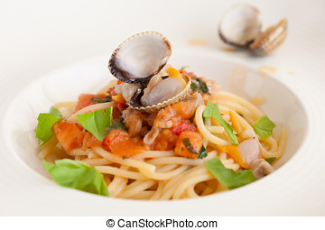 Spaghetti with clams - Fresh spaghetti dish with clams and...
