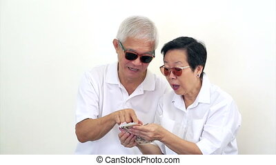 rich Asian seniors won cash