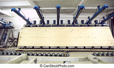 Woodworking. Manufacturing of edge-glued panel -...