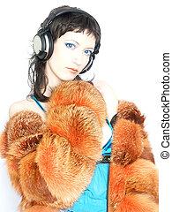Trendy DJ Girl - Beautiful Blue Eyed DJ Girl In Furs