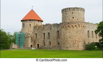 quot;Cesis castle, northern latvia, timelapse, 4kquot; -...