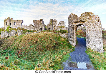 Dunamase castle ruins - Photo of Dunamase castle ruins in...