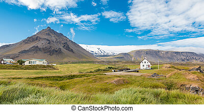 Icelandic Home - Small icelandic residence at the foot of...