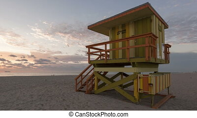 4K Time lapse pan shot Miami Beach rescue hut - 4K Time...