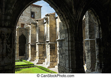 Narbonne, cathedral cloister - Narbonne (Aude,...