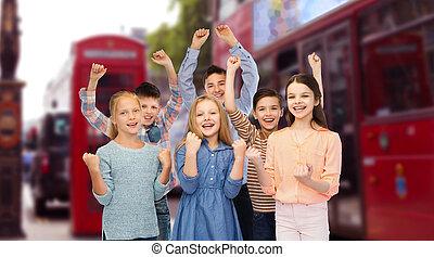 niños, Celebrar, victoria, encima, londres, ciudad,