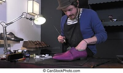 handmade coloring and care of shoes - creating a patina with...