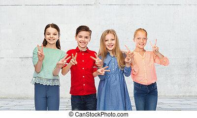 feliz, niño, y, niñas, actuación, paz,...