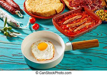 Tapas pisto con tomate ratatouille egg sausage - Tapas pisto...