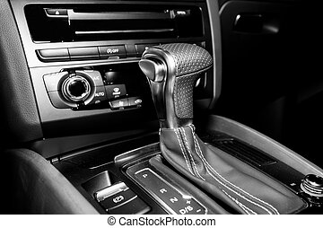 Automatic gearshift in sport car