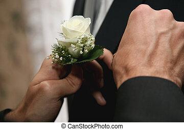 each helps dress wedding flower for groom suit