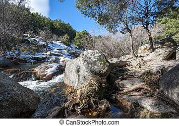 przedimek określony przed rzeczownikami, Rzeka, Manzanares,...