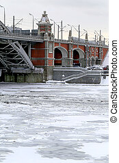 bridge Moscow river - The bridge over the Moscow river is...